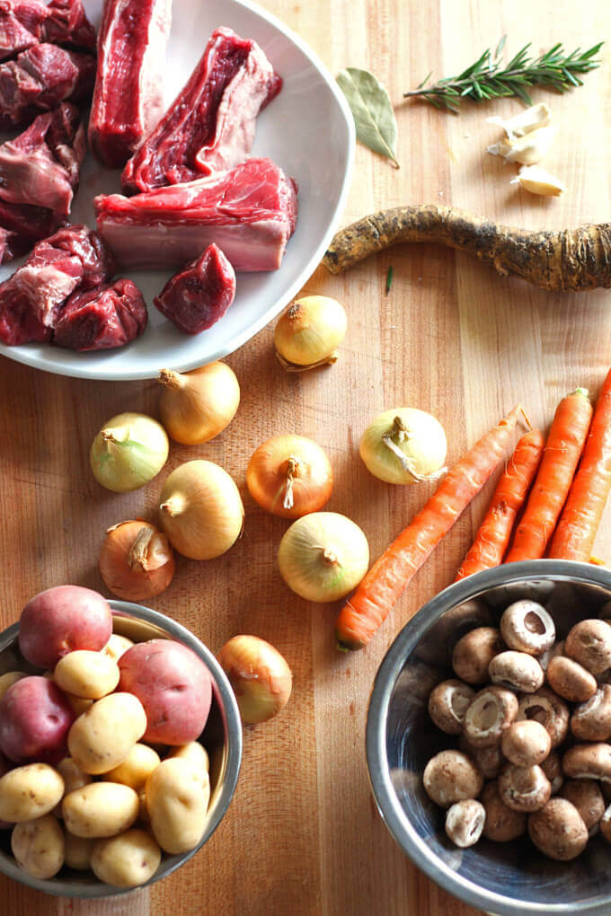 The ingredients for the beef stew with horseradish